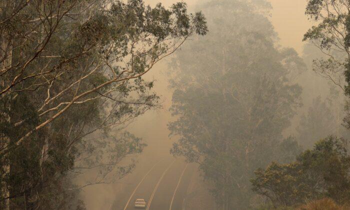 veteran firefighters to Australia 700x420 1