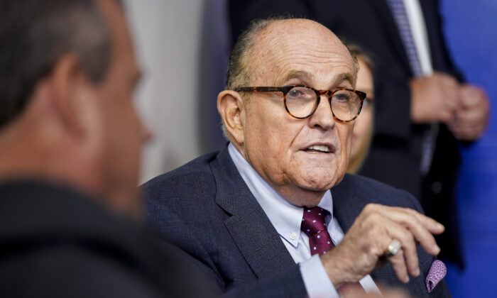 Giuliani's Lawyer Accuses DOJ of 'Corrupt Double Standard' In Executing Warrants Against Him