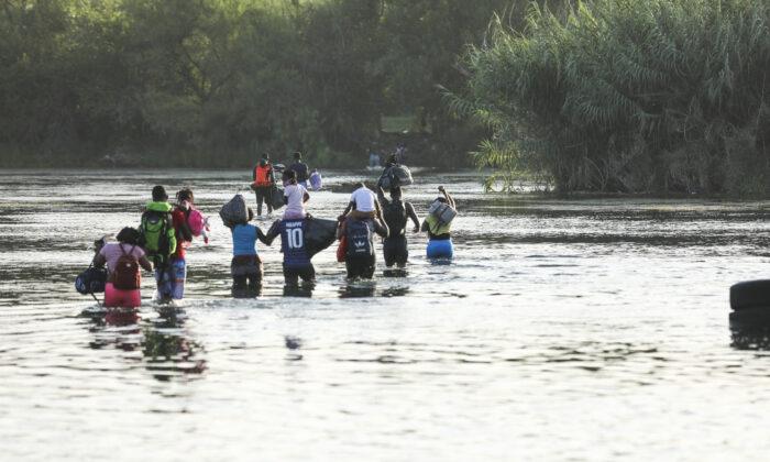 Arizona Town Facing 'Nightmare' Migrant Influx
