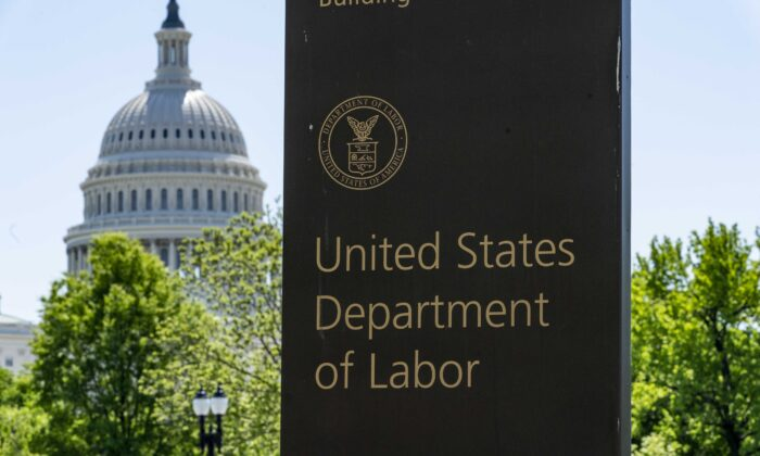 Millions of Americans Set to Lose Pandemic Unemployment Benefits Next Week, No Signs of States Extending